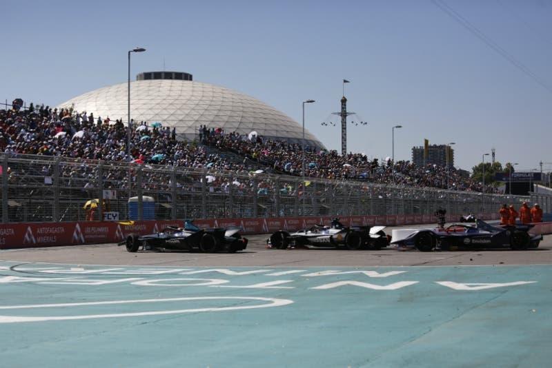 La emoción de la Fórmula E vuelve a Santiago este sábado y podrás verlo por el 13