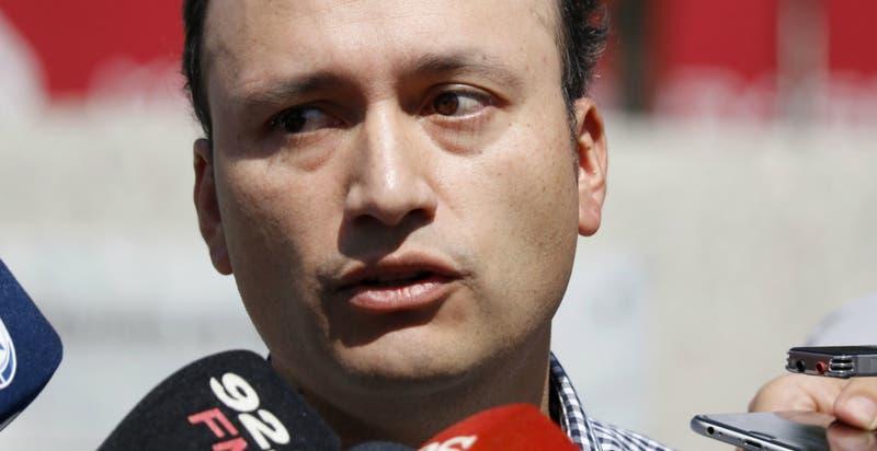 Club Social y Deportivo Colo Colo pide renuncia del general Mario Rozas tras muerte de hincha