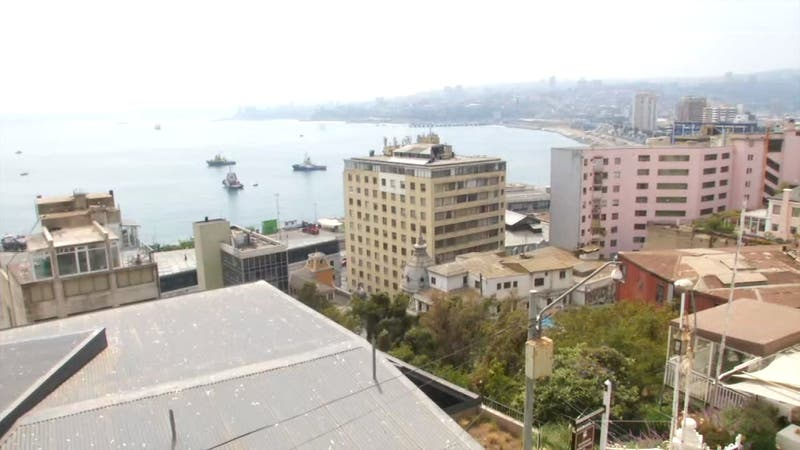 [VIDEO] Cinco lesionados tras caída de ascensor en Valparaíso