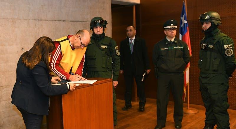 """Defensa de """"comandante Ramiro"""" acusa influencia de la UDI en tribunales y apelará a la Corte Suprema"""