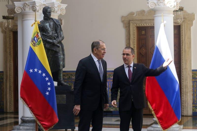 Canciller ruso condena sanciones de Estados Unidos contra Venezuela en Caracas