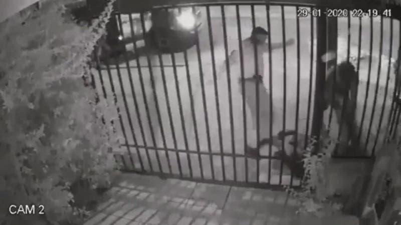 [VIDEO] Formalizan a 5 carabineros acusados de haber protagonizado golpiza a joven en Puente Alto