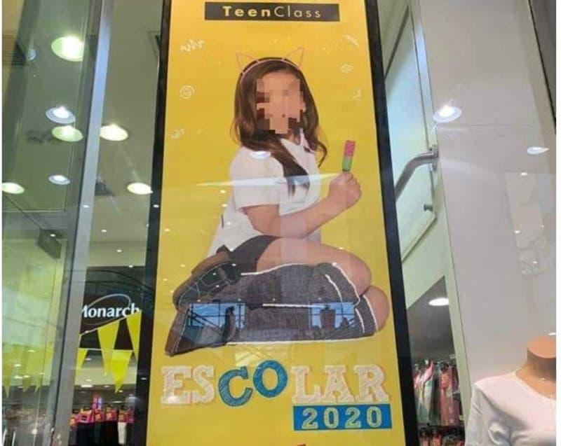 """Denuncian """"sexualización"""" de niña en publicidad de calcetines"""