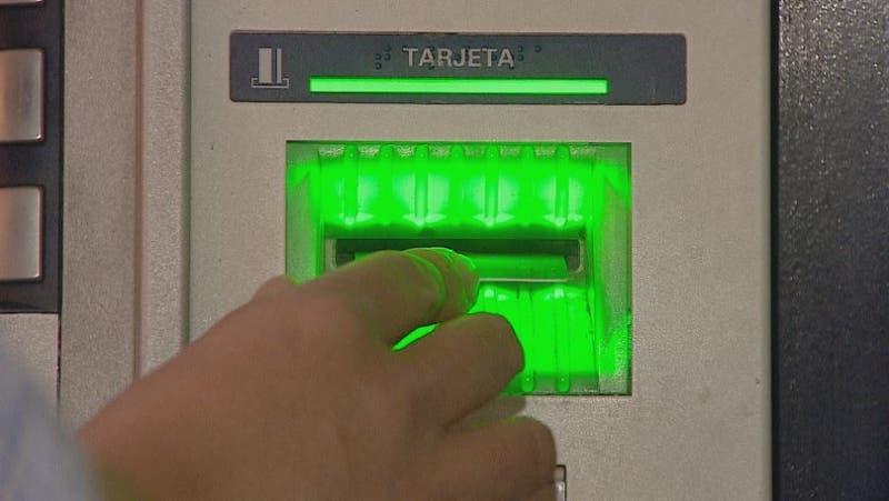 [VIDEO] Fraude con tarjetas registró un alza: ¿cómo evitarlos?
