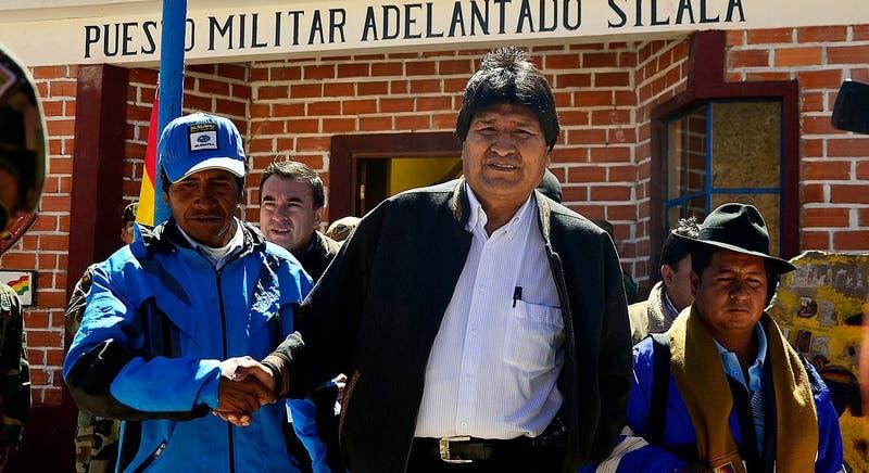 Cancillería boliviana: Morales admitió que parte del Silala fluye de manera natural a Chile