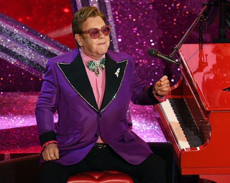 [VIDEO] Elton John suspende entre lágrimas concierto en Nueva Zelanda por una neumonía