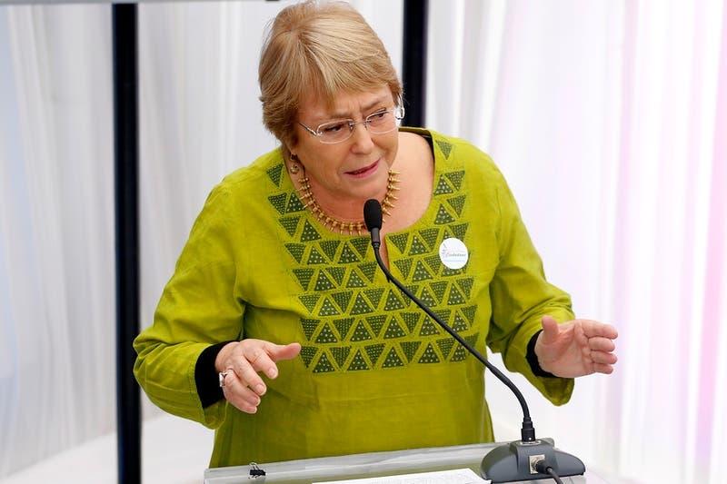 Bachelet sube en las encuestas para ser la próxima Presidenta de Chile: Lavín sigue liderando