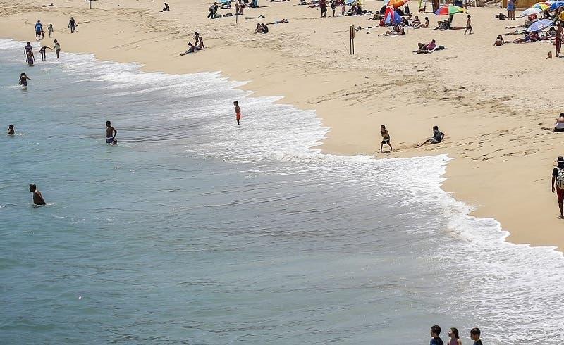 Foto referencial   Cobran 20 mil pesos para ingresar a una playa en la región de Coquimbo
