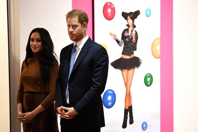 """Harry y Meghan dejarán de utilizar la denominación """"Duques de Sussex"""""""