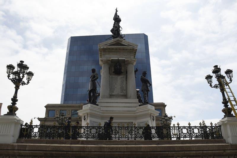 Intendencia de Valparaíso confirma querella por Ley de Seguridad del Estado tras ataque a monumento