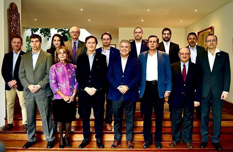 Presidente de Colombia visita casa de embajador de Chile para reactivar Prosur
