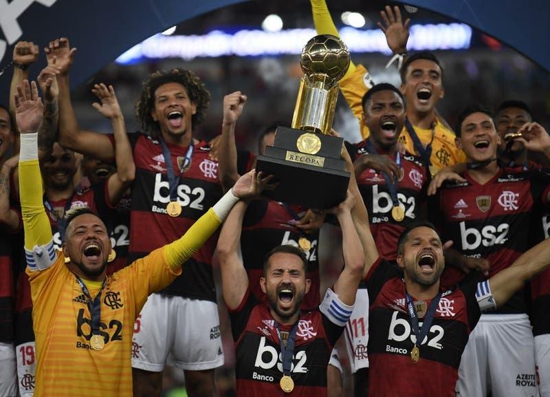 Flamengo golea 3-0 al Independiente del Valle y gana su primera Recopa Sudamericana