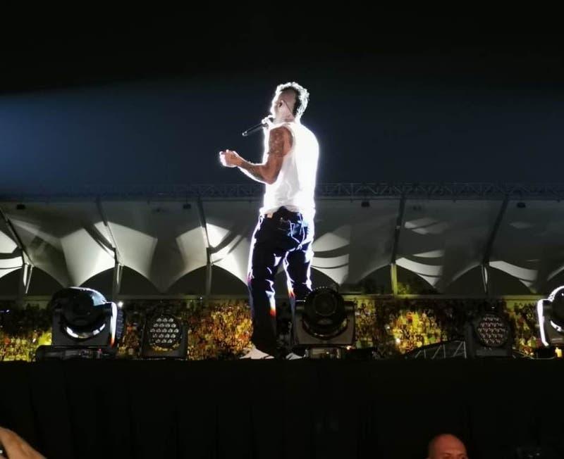 """""""Estaba nervioso"""": Adam Levine se excusó en su show en Santiago por presentación en Viña 2020"""