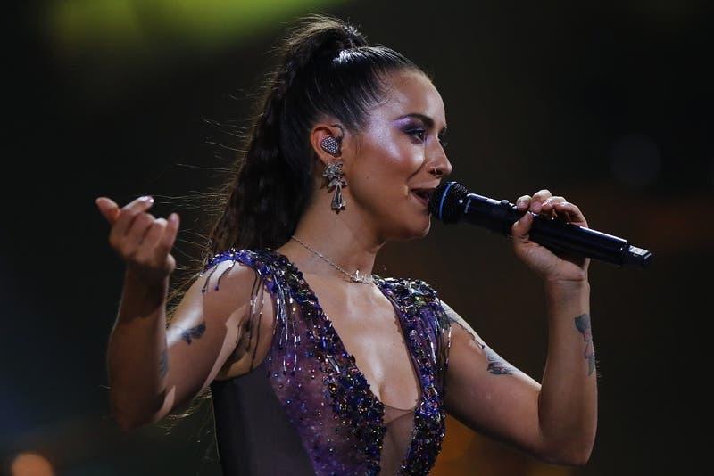 """¿Quién era Gabriela Alcaíno? La joven que Denise Rosenthal le dedicó """"Isidora"""" en Viña 2020"""