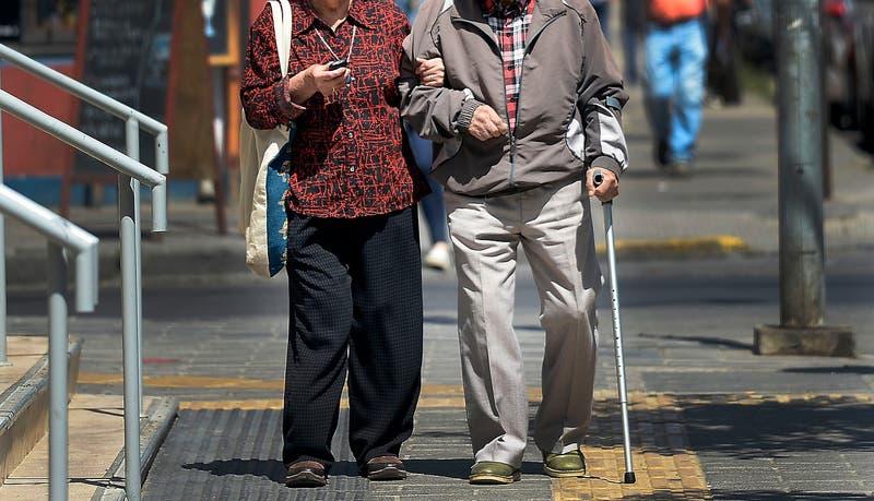 Reforma a las pensiones: encuesta indica que un 54% pretende continuar trabajando después de jubilar