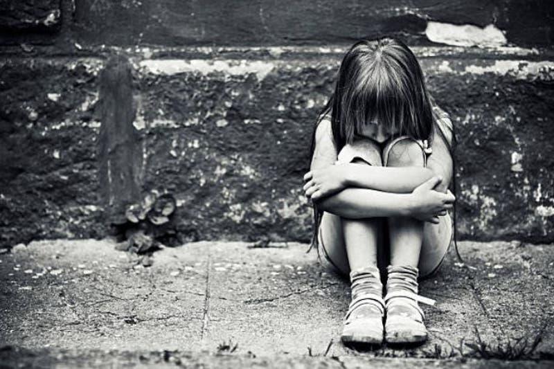 Niña que sangraba le dijo a sus padres que se había caído, pero en realidad la habían violado