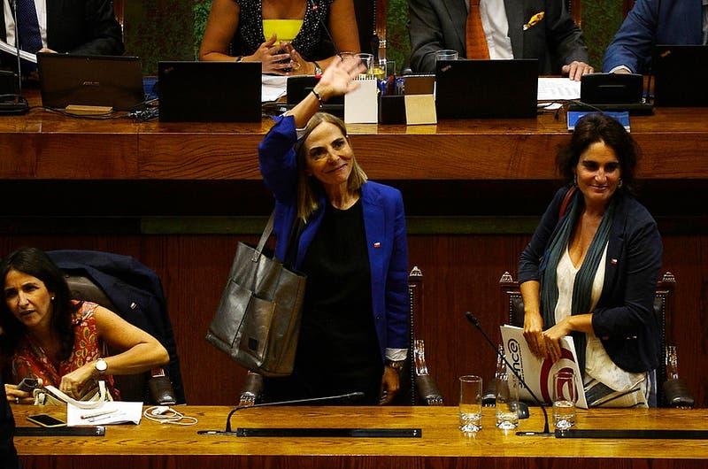 """Ministra Isabel Plá: """"Valoro aprobación de paridad en eventual convención constituyente"""""""