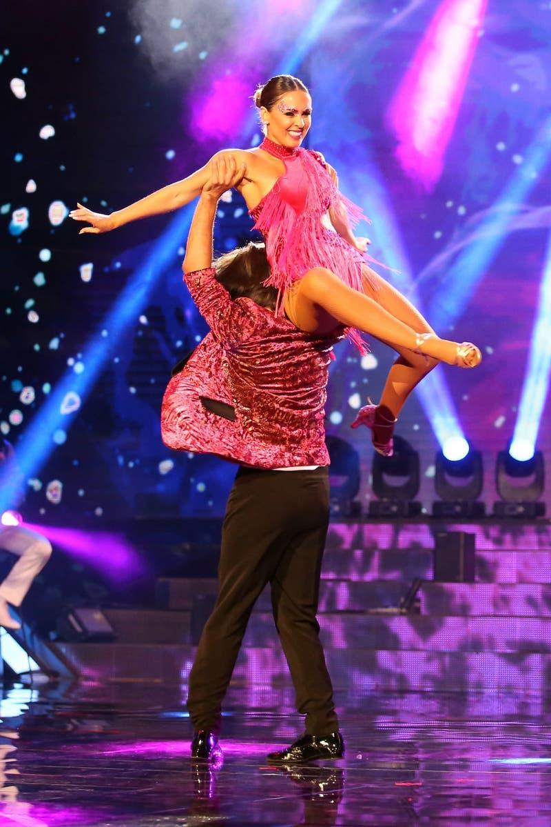 """""""Bailando por un sueño"""" tuvo su noche más intensa con el debut de baile de Maura Rivera"""