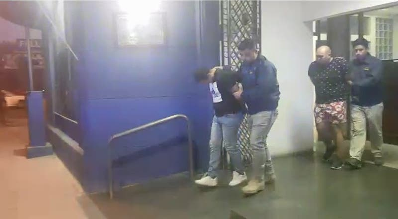 Detienen a tres carabineros acusados de golpear y robarle a un hombre en Hualqui