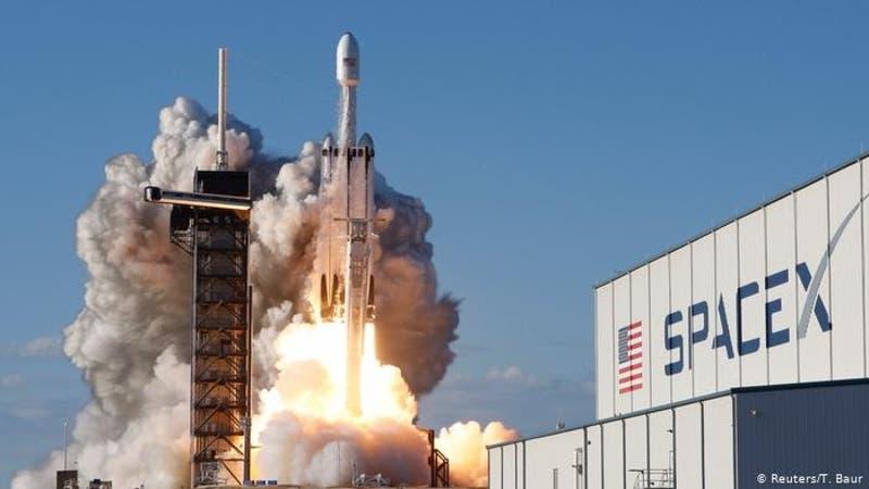 Space X llevará a tres turistas a Estación Espacial Internacional