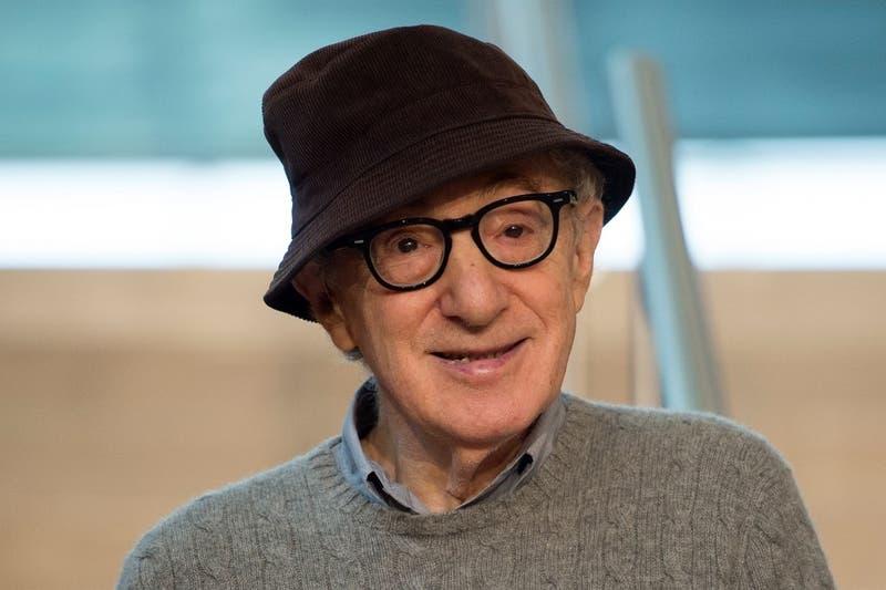 Editorial anula publicación de autobiografía de Woody Allen tras protestas