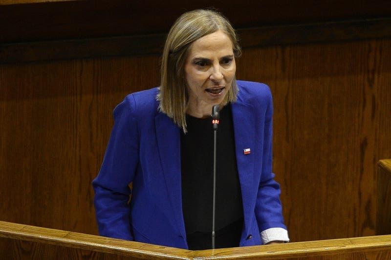 """Ministra Plá por Día de la Mujer: """"El mérito para las mujeres sigue siendo insuficiente"""""""