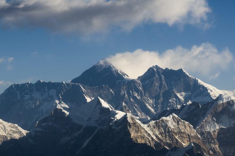 China cierra el acceso al Everest por coronavirus