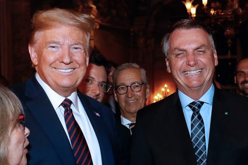 Alto funcionario brasileño que estuvo con Trump en EEUU da positivo a coronavirus