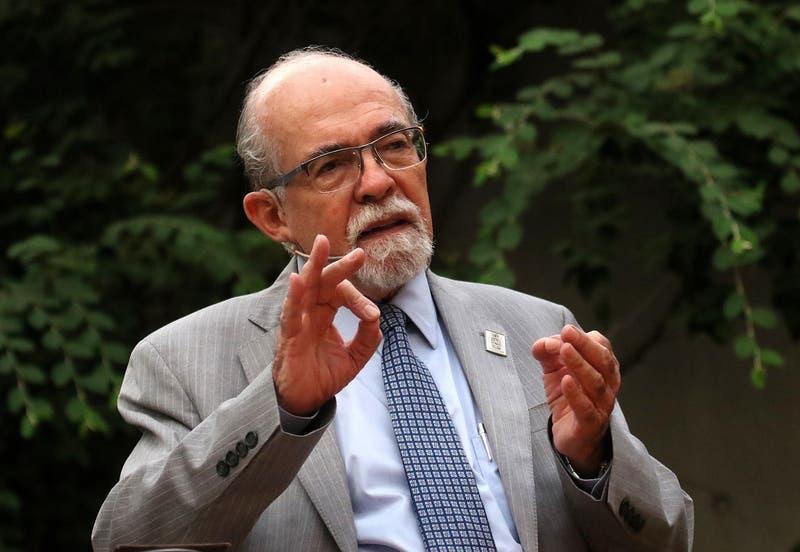 """""""Cuidemos a Chile"""": El mensaje del profesor José Maza por la pandemia de coronavirus"""
