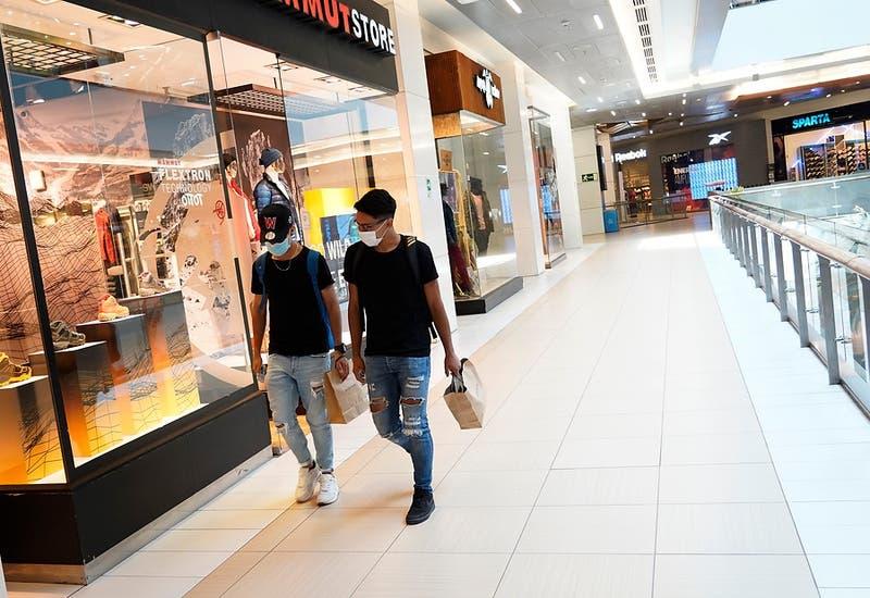 Gobierno ordena el cierre de malls y centros comerciales en todo el país