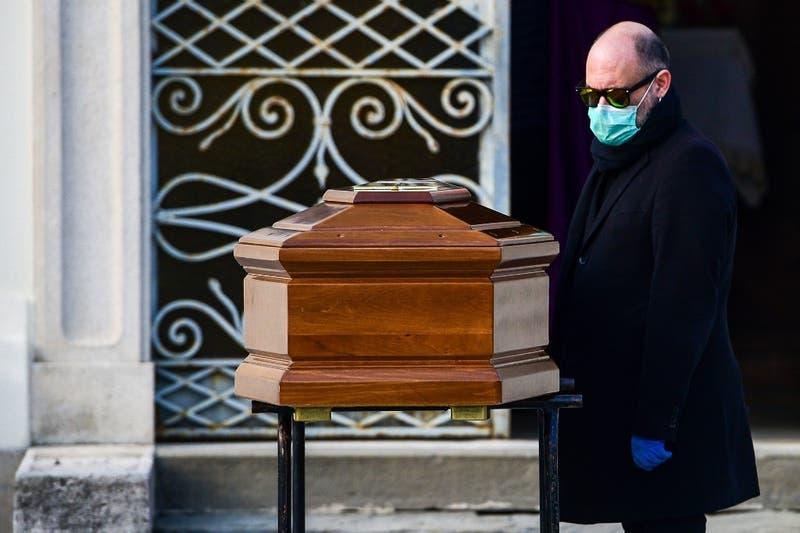 Casi 800 muertos en 24 horas: Italia nuevamente bate récord de fallecimientos por COVID-19