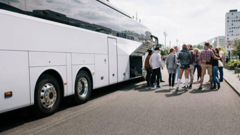 Buses venían de Brasil y cambiaron carteles de origen para evitar cuarentena: terminaron detenidos