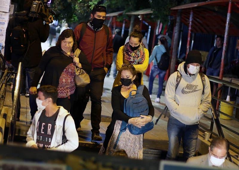 Coronavirus en Chile: Los nuevo horarios del transporte público que regirán desde este lunes