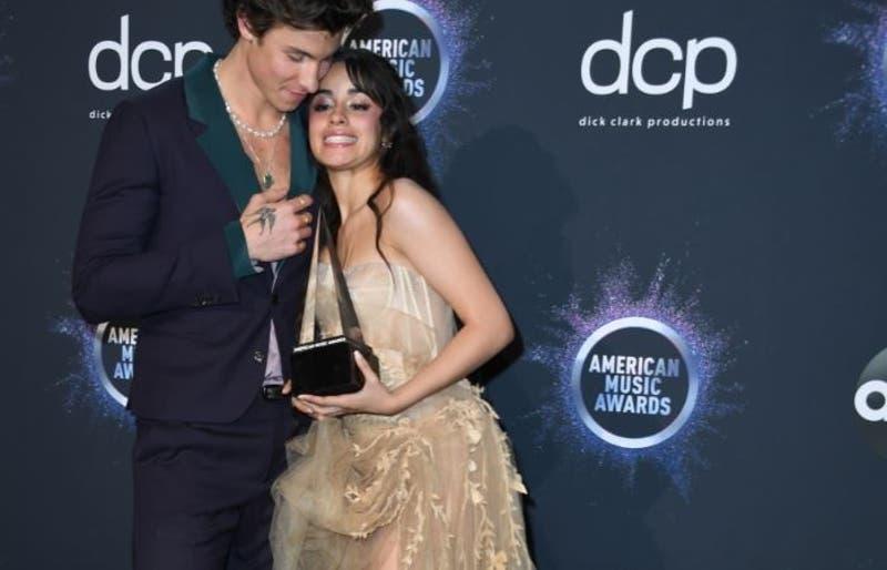 Shawn Mendes y Camila Cabello: romántico show en iHeartRadio