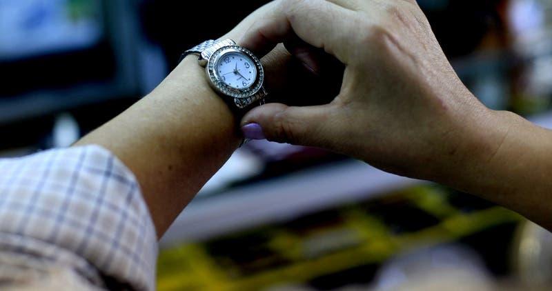 Cambio de hora 2020: este sábado se ajustan los relojes y esto es lo que debes hacer