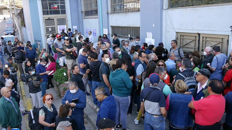 Permiso de circulación: Quintana critica a Piñera