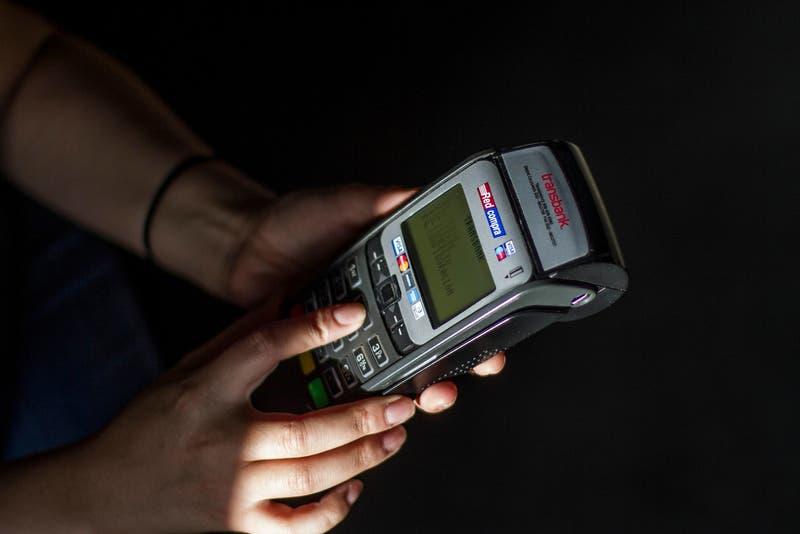 Transbank comienza a implementar modelo de cuatro partes en el sistema de medios de pago
