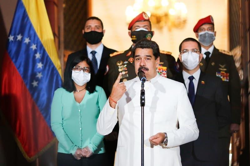 """Maduro amenaza con """"la furia bolivariana"""" a EE.UU. por su operación antidrogas en el Caribe"""