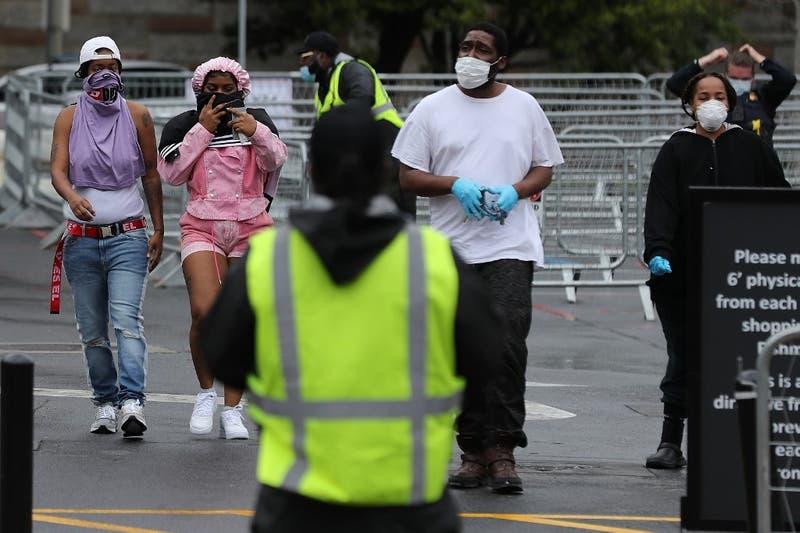 Investigadores de Harvard aseguran que el distanciamiento social puede ser necesario hasta 2022