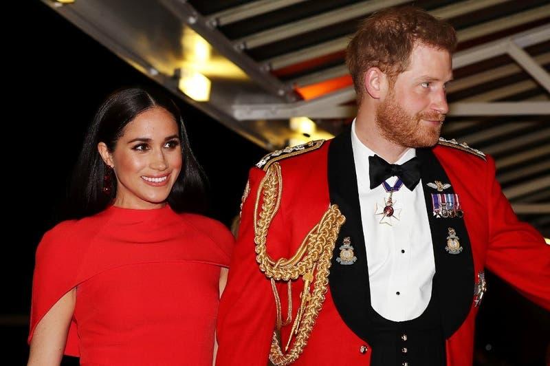 Príncipe Harry y Meghan Markle repartieron comida a enfermos en Los Ángeles