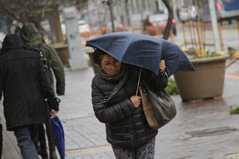 Emiten alerta por vientos arrachados y potenciales tornados locales en el Ñuble y el Biobío