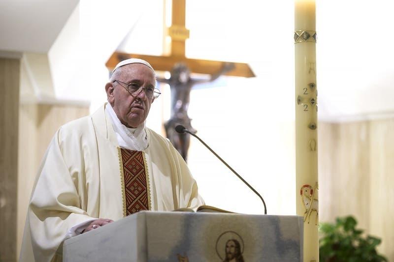 Papa Francisco nombra obispo de San Felipe y nuevo auxiliar de Santiago