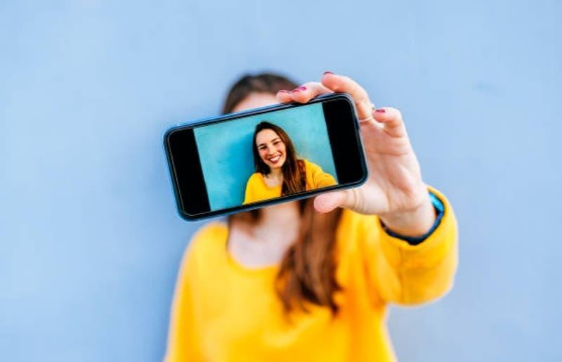 Revisa cómo puedes tomarte la foto para la Tarjeta Nacional Estudiantil en casa