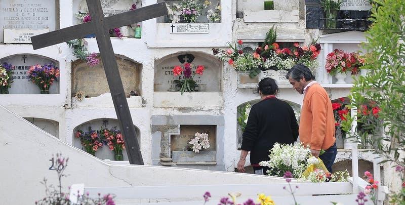 Cementerios estarán cerrados el 31 de octubre y el 1 de noviembre
