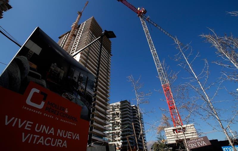 Tasas de interés de créditos hipotecarios frenan alzas, pero se mantienen en máximos de un año