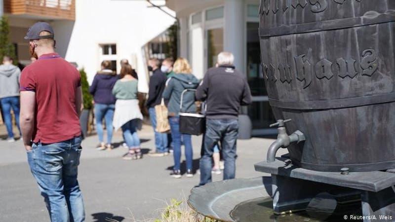 Regalan cerveza en Alemania por caída de ventas ante coronavirus