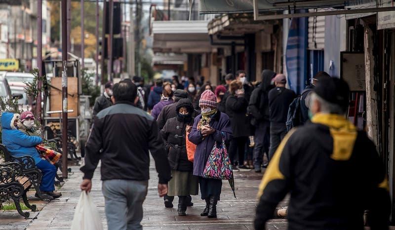 Encuesta Pulso Ciudadano: 59% considera que Chile está empeorando en el control del COVID-19