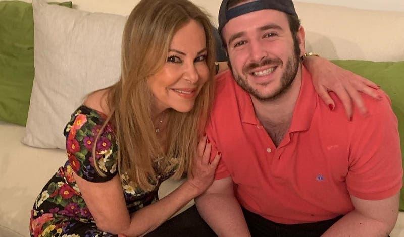 """Conmoción en España por muerte de hijo de la actriz Ana Obregón a los 27 años: """"Se apagó mi vida"""""""