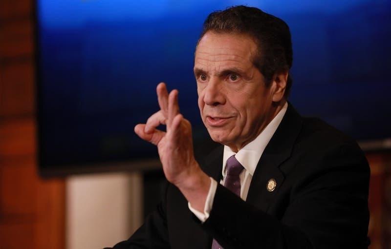 [VIDEO] Gobernador de Nueva York realiza testeo por coronavirus en vivo TV