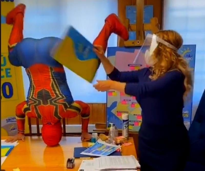 Alcaldesa Barriga y Sensual Spiderman se unen en Tik Tok luego de reunión de trabajo